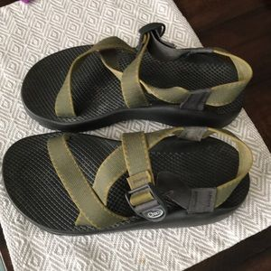 Size 9 Men's Chacos